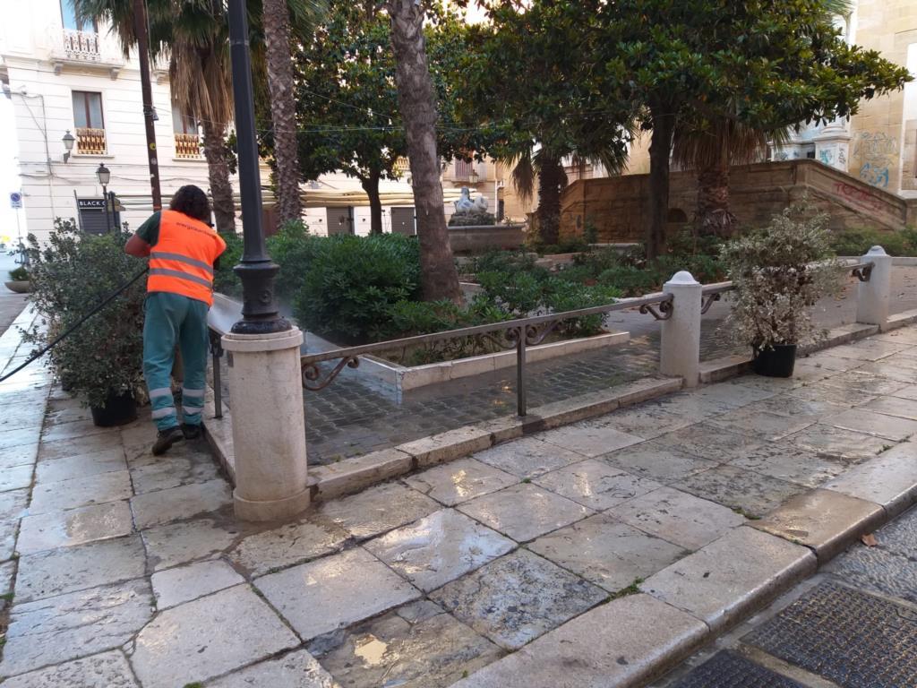 Trapani, pulizia straordinaria del centro storico