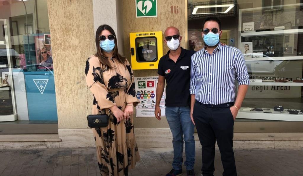 Trapani, donano defibrillatore alla Città: il sindaco ringrazia