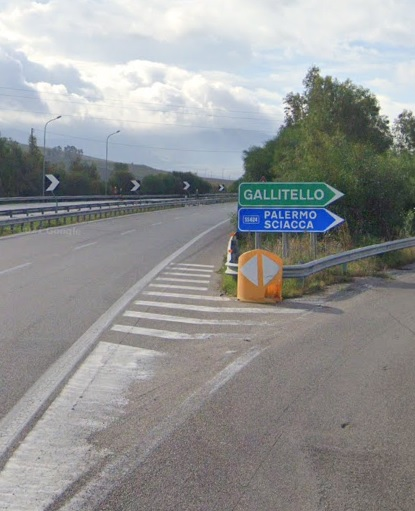 Autostrada A29, incendio presso lo svincolo di Gallitello