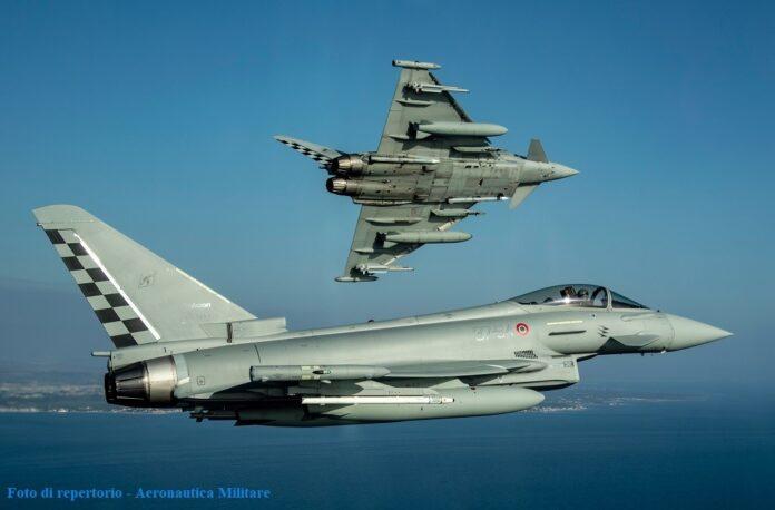 Caccia Eurofighter intercettano un velivolo civile che aveva perso il contatto radio
