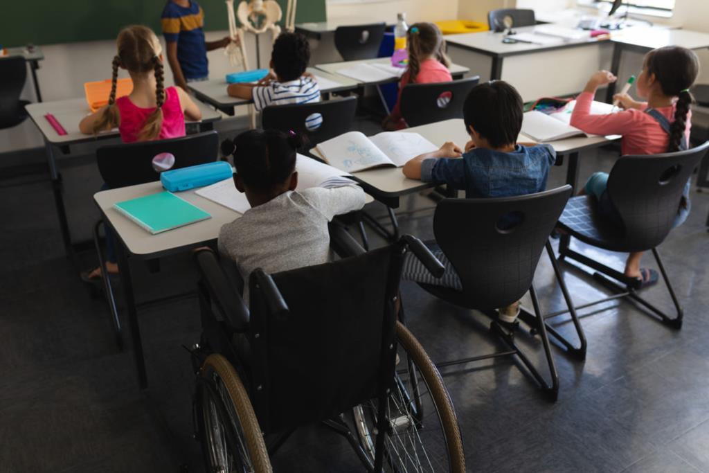 Studenti disabili: 'Basta rimpallo di competenze'
