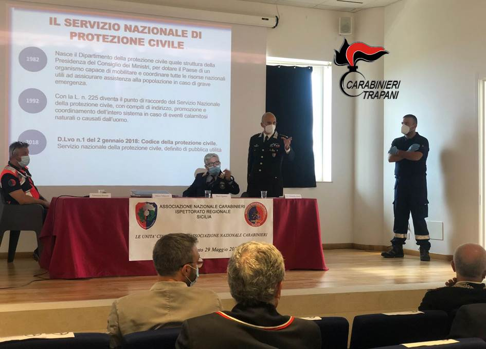 Alcamo, l'Associazione nazionale Carabinieri presenta il Servizio cinofilo
