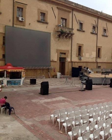 Castellammare. Maxi-schermo per la partita Italia-Spagna