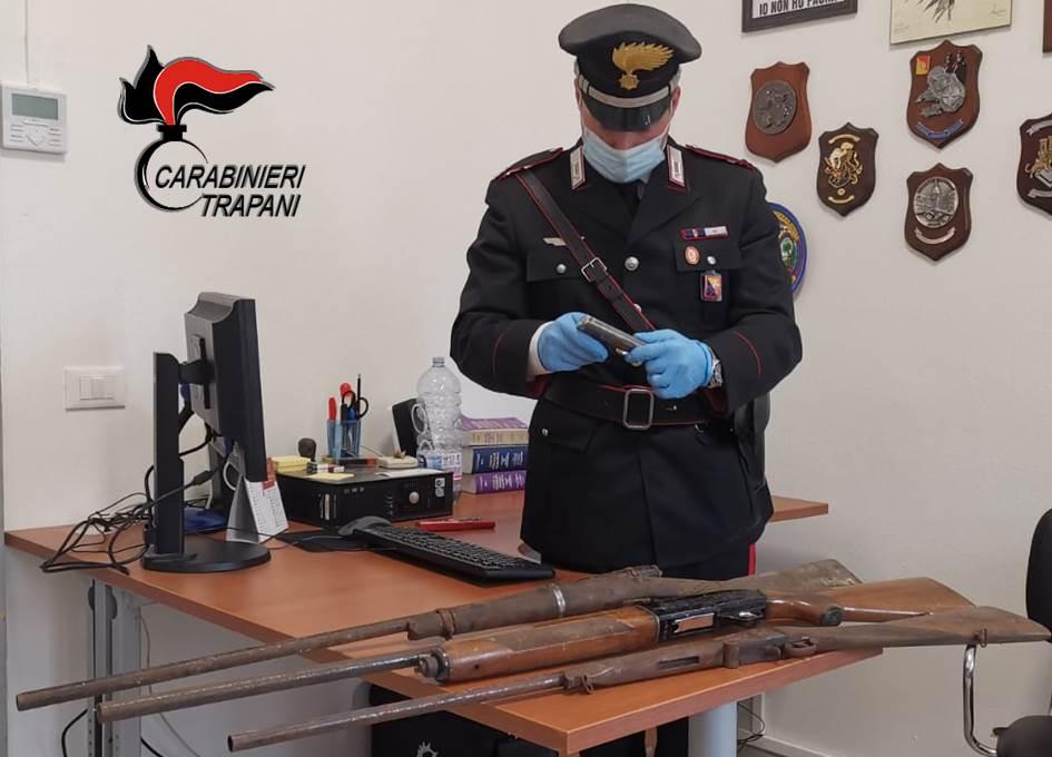 Detenevano armi in casa senza autorizzazione, denunciati in sei