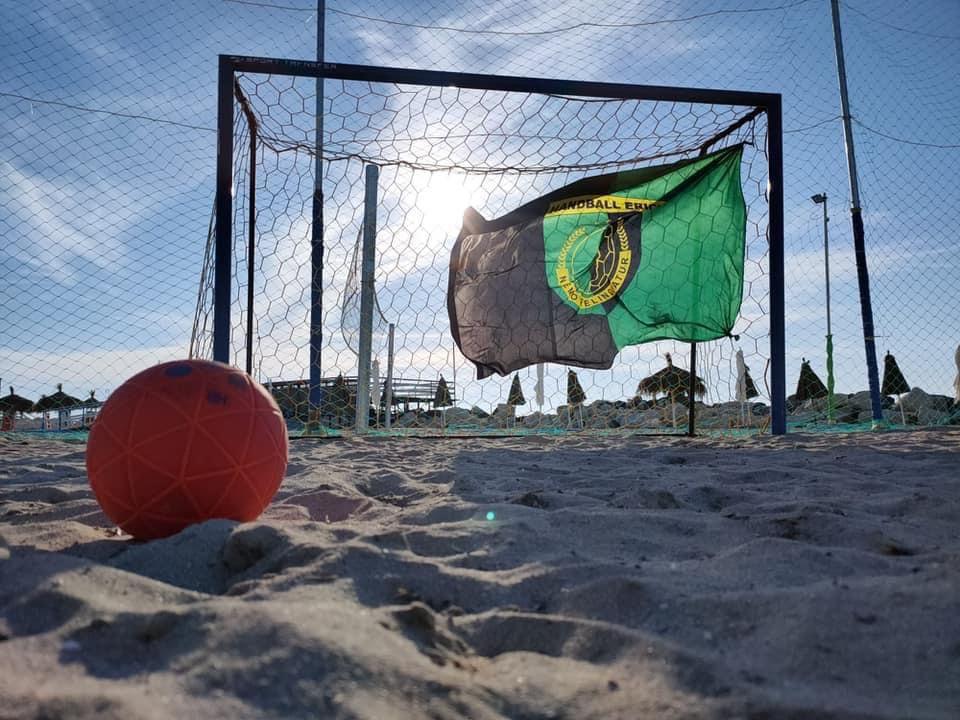 Handball, vai a conoscere il mondo delle arpie e ti ritrovi in... paradiso