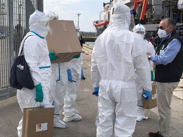 Quattro i migranti della Sea Watch4 presi in cura dall'Asp di Trapani