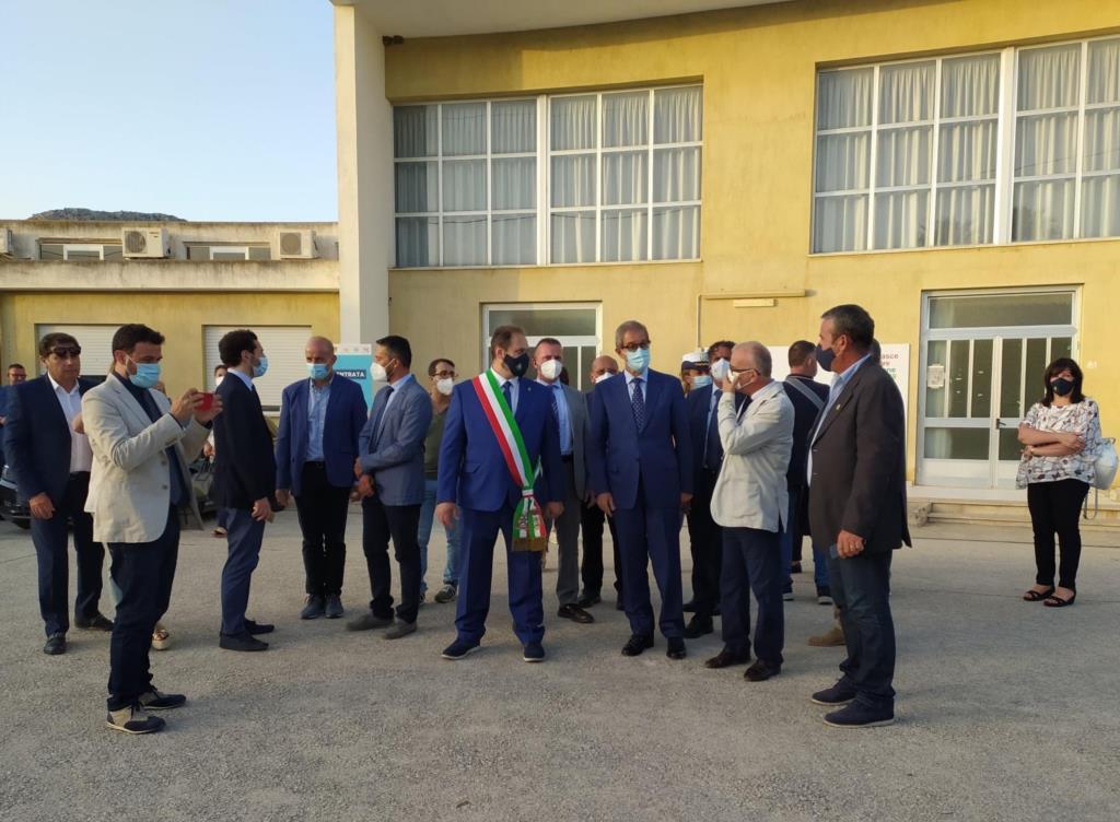 Buseto, il Presidente Musumeci al centro vaccinale