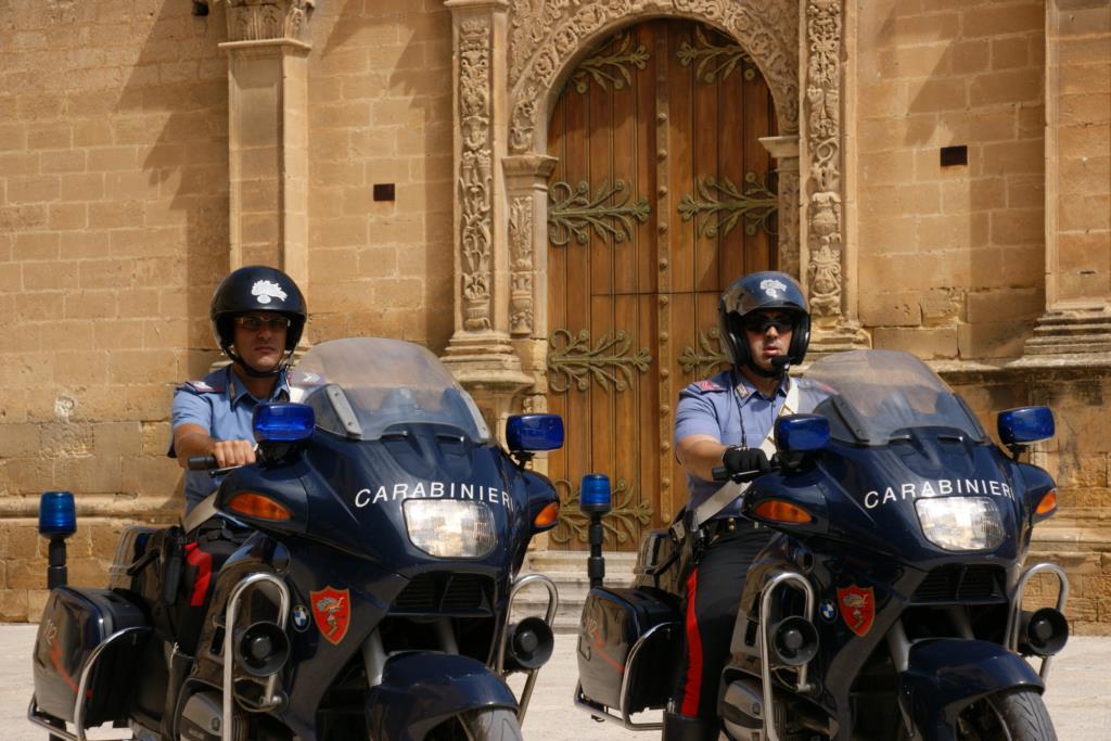 Castelvetrano, due evasi arrestati dai carabinieri