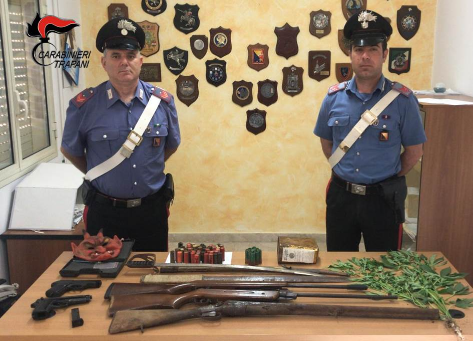 Armi e droga in casa, un arresto a Campobello di Mazara