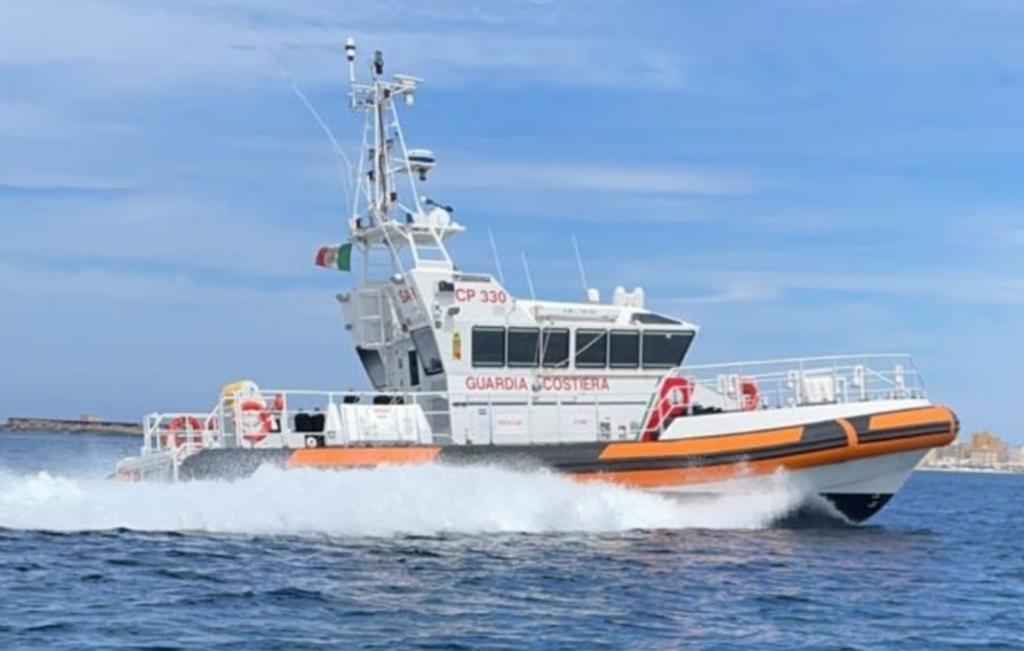In balìa delle onde al largo di Marettimo, salvati dalla Capitaneria di porto