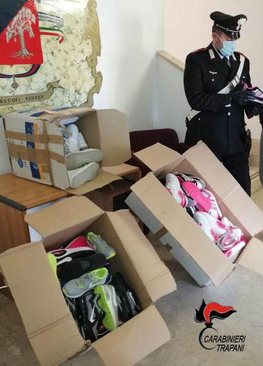 Petrosino, i carabinieri donano scarpe ai più bisognosi