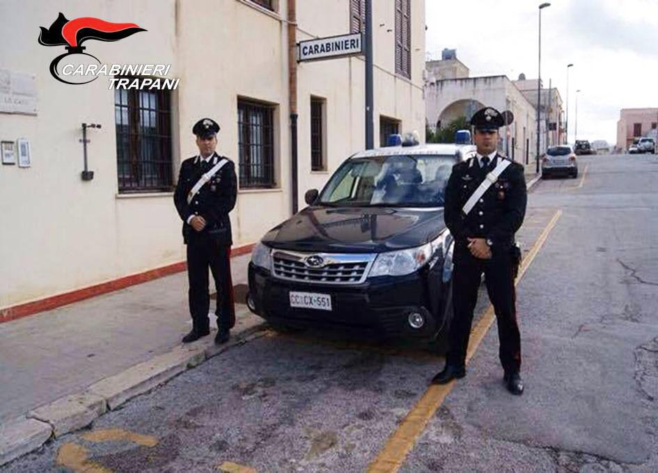 Disturba in un locale pubblico e poi aggredisce i carabinieri, arrestato un uomo a San Vito