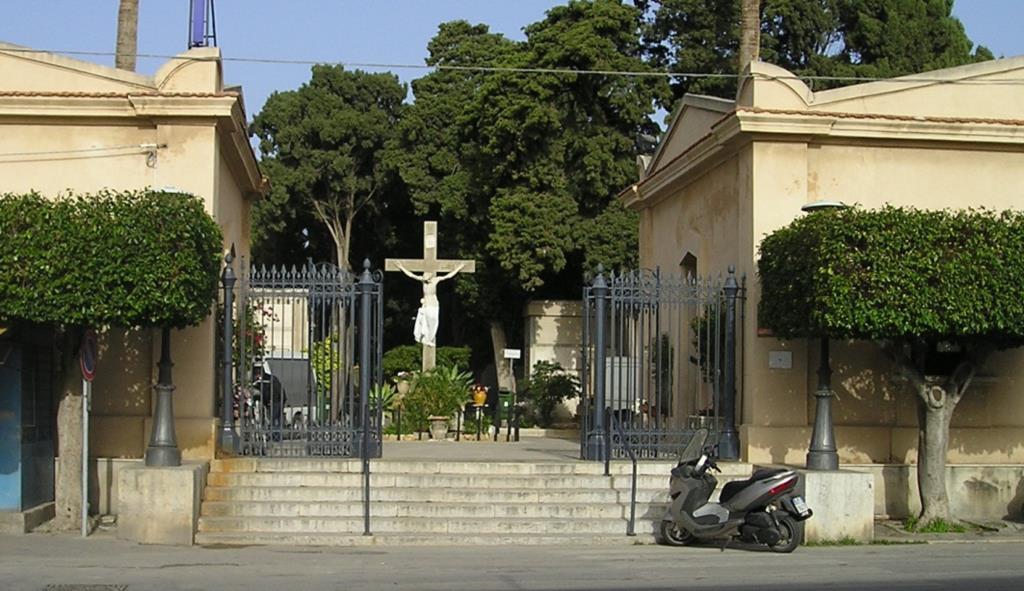 Trapani, al cimitero trafugati i rubinetti delle fontanelle