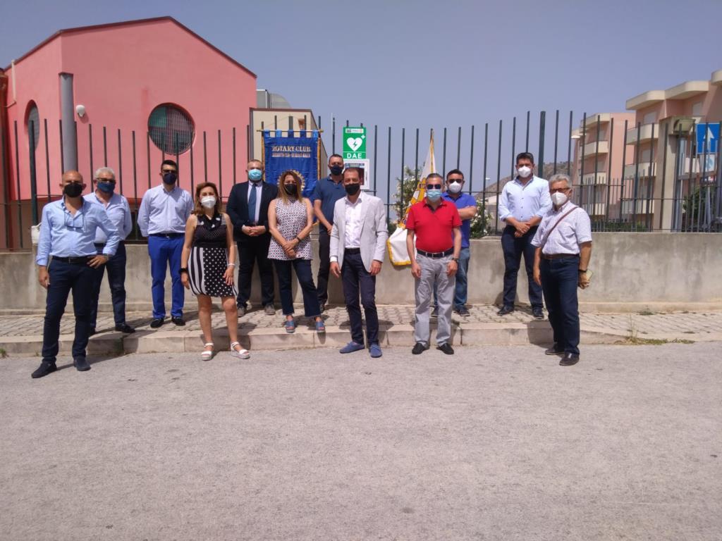 Il Rotary Club Trapani Erice dona un defibrillatore posizionato in contrada Pegno