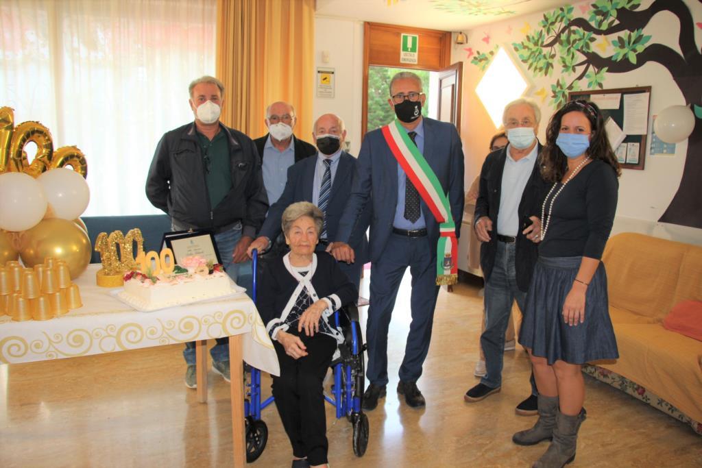 Marsala, la maestra Filardo compie 100 anni