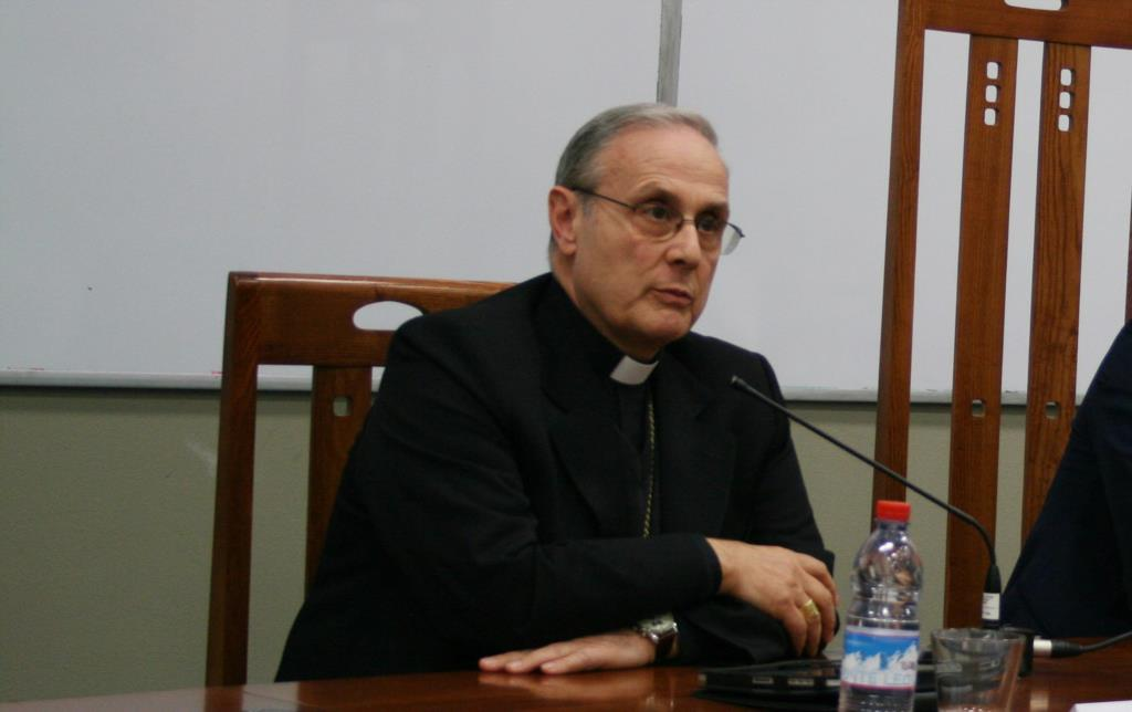 Mazara. Aggressione all'imam, la solidarietà del vescovo Mogavero