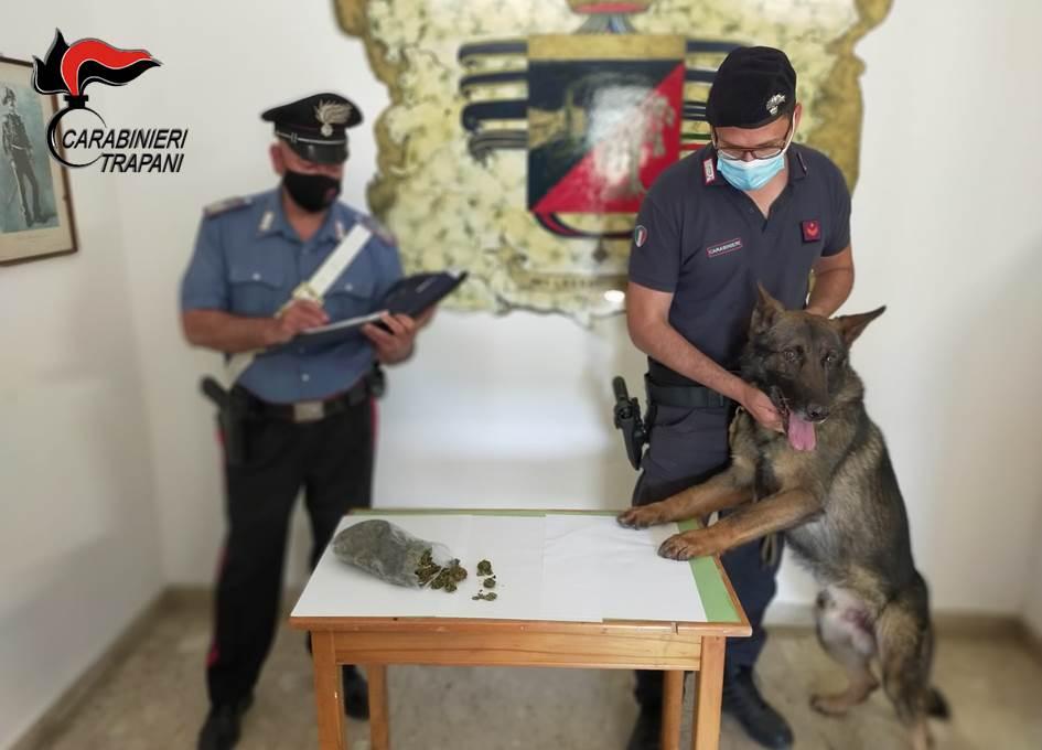 Petrosino: droga tra le reti da pesca, denunciato un ventinovenne marsalese