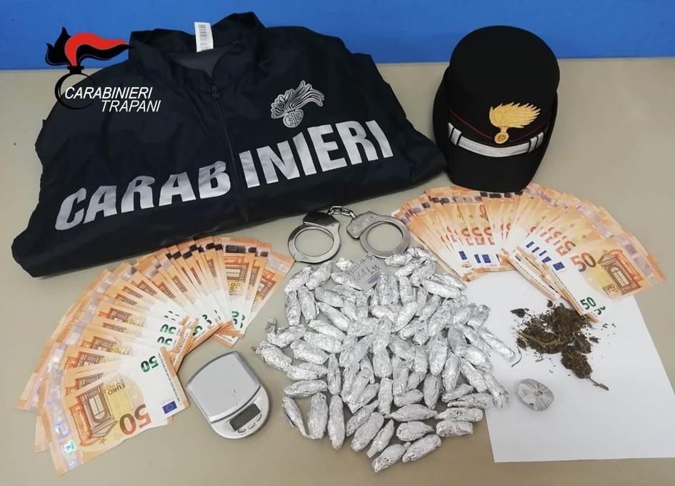 Coppia trapanese arrestata per detenzione e spaccio di marijuana