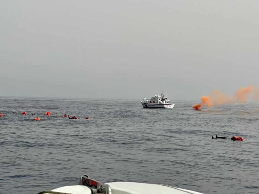 Esercitazione navale al largo del porto di Mazara
