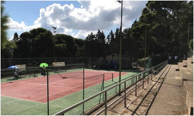 Il tennis al femminile alla pineta di Valderice