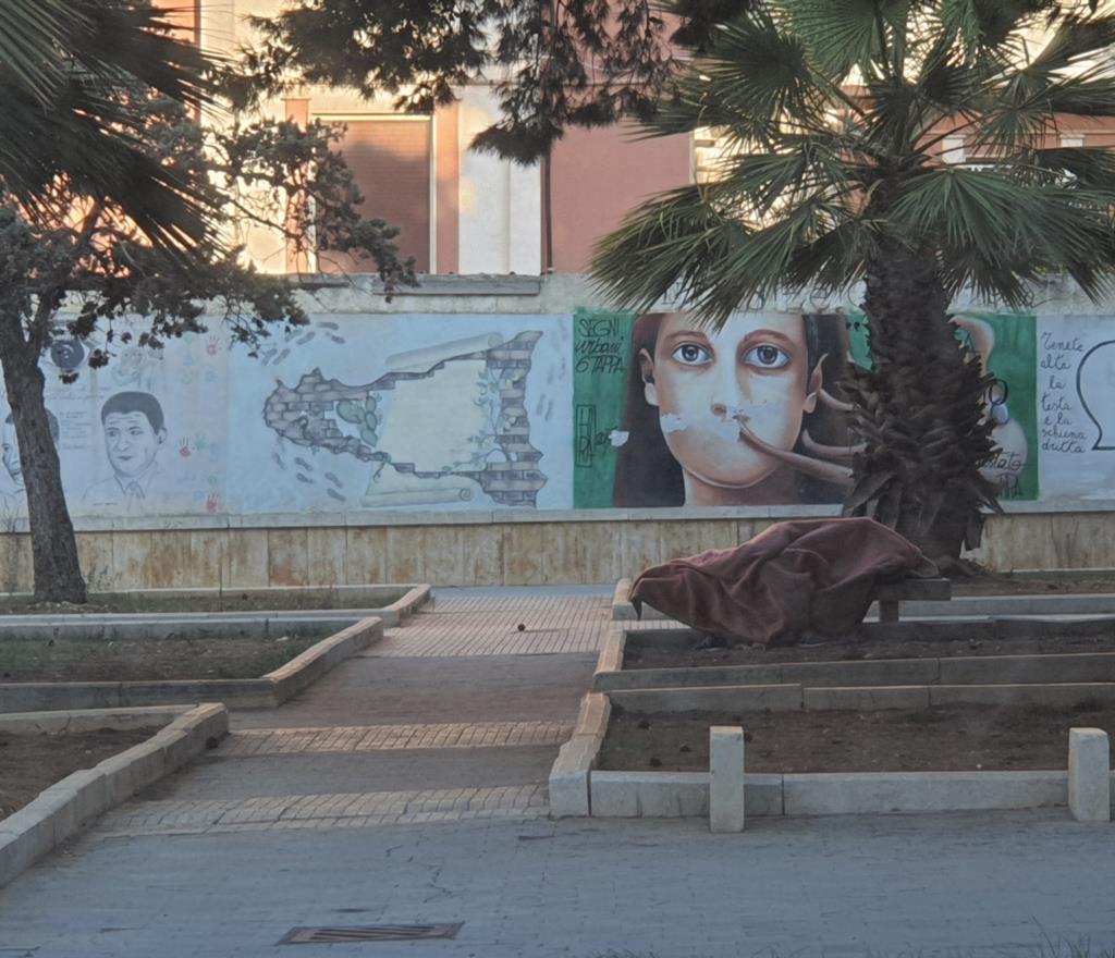 Marsala, dormiva su una panchina: ora è al sicuro