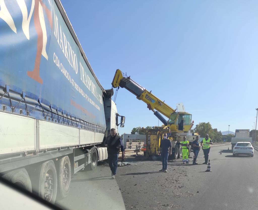 Incidente sulla Palermo Mazara: traffico in tilt per ore all'altezza dello svincolo per Alcamo