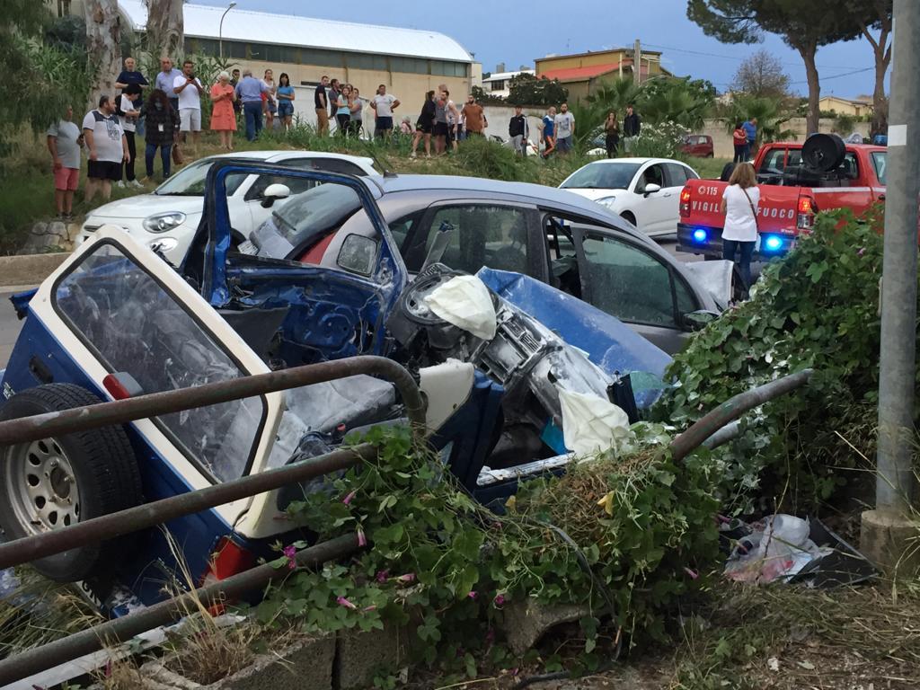 In gravi condizioni i feriti nell'incidente di ieri in contrada Milo