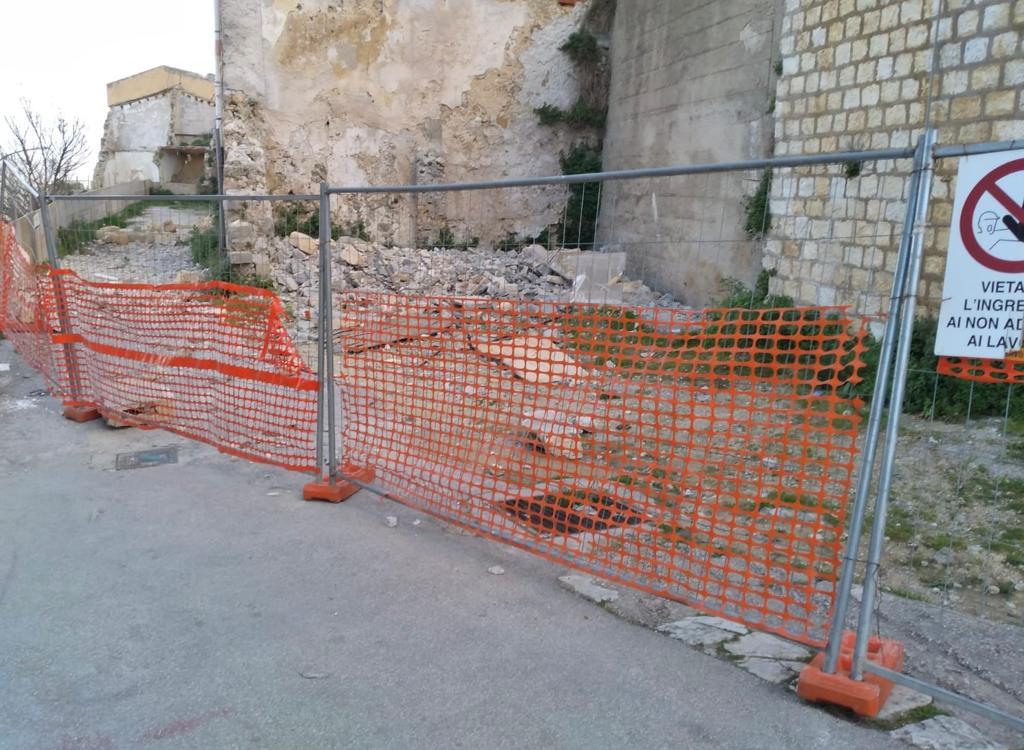 Salemi, operai al lavoro per la messa in sicurezza del centro storico