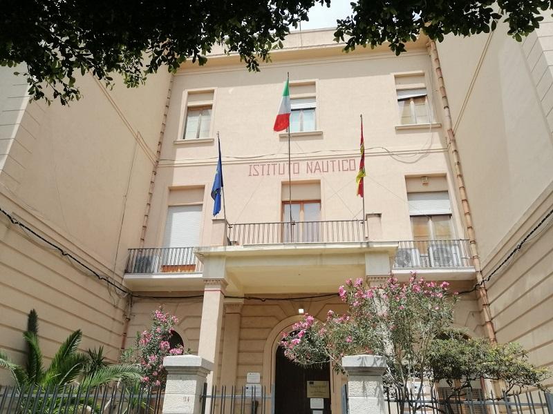 Trasferita al Civico di Palermo la studentessa precipitata dal tetto del Nautico