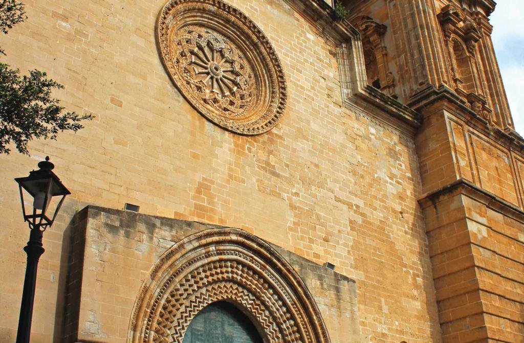 Trapani al via il restyling per le facciate di due chiese
