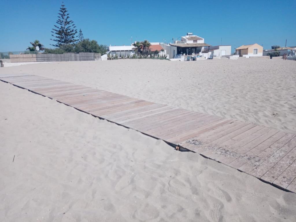Marsala, arrivano le passerelle sulle spiagge libere