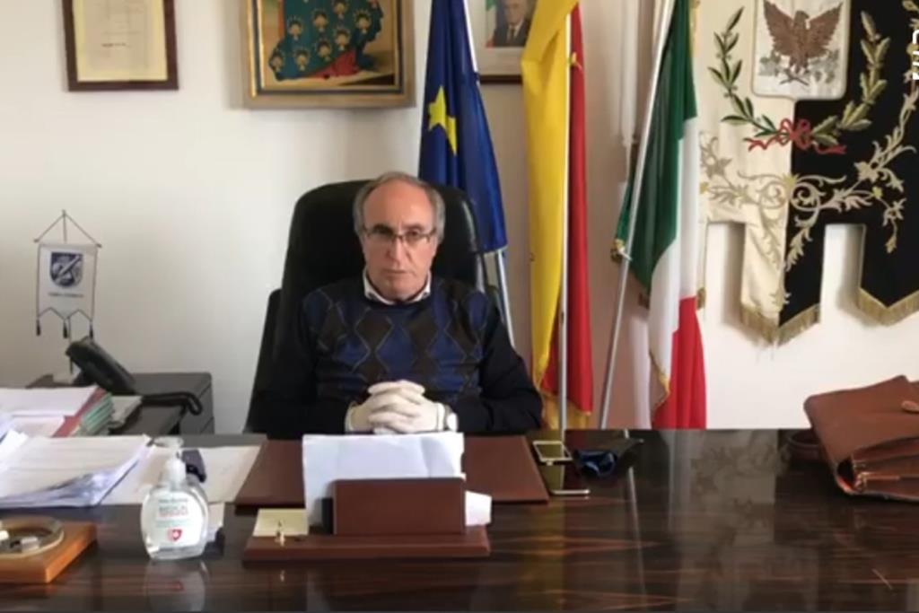 Custonaci, il sindaco disposto ad andare casa per casa per inviare i cittadini a vaccinarsi