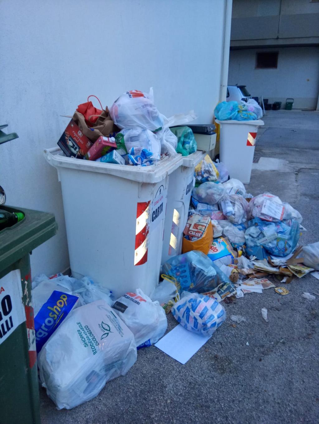 Erice, la favola della spazzatura a Trentapiedi