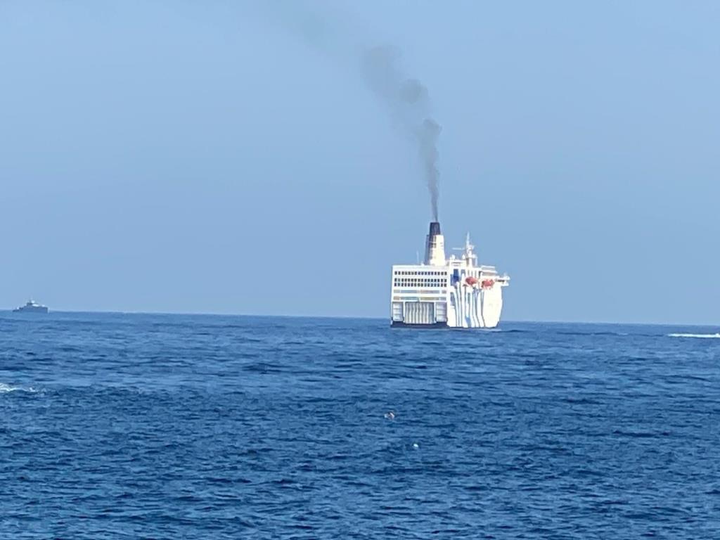 La nave-quarantena in rada a Trapani con a bordo circa 700 migranti