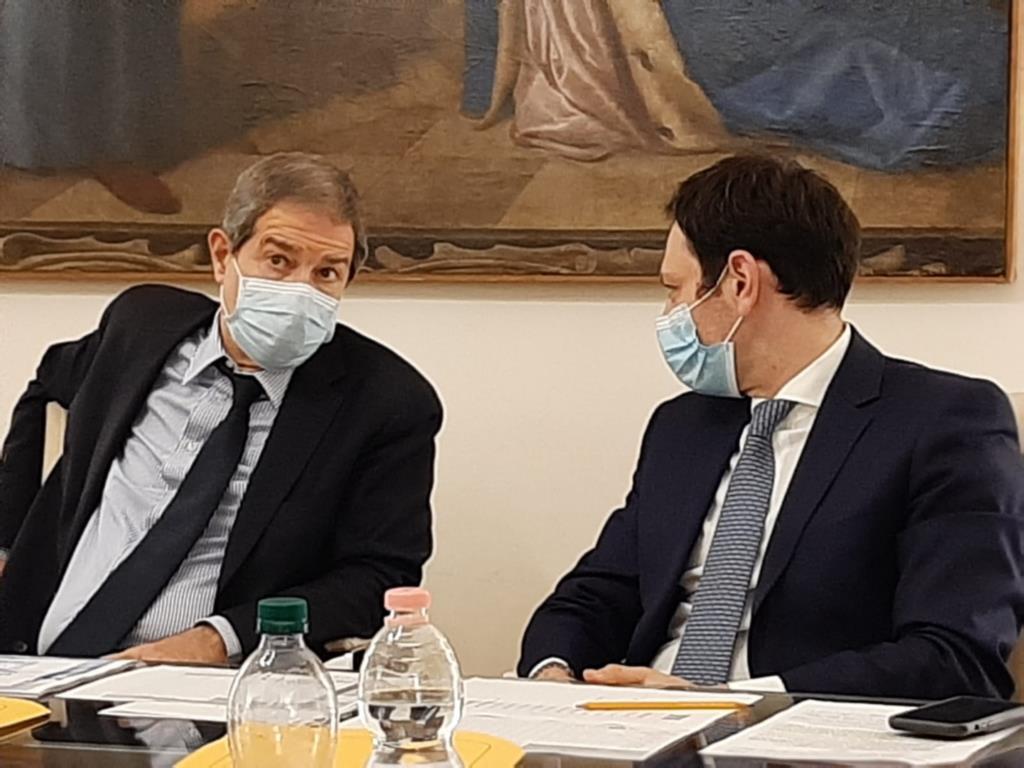 Dati Covid falsificati, Musumeci accetta le dimissioni di Razza