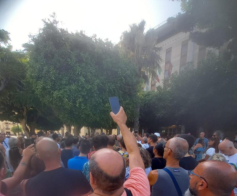 I «no green pass» in piazza anche a Trapani