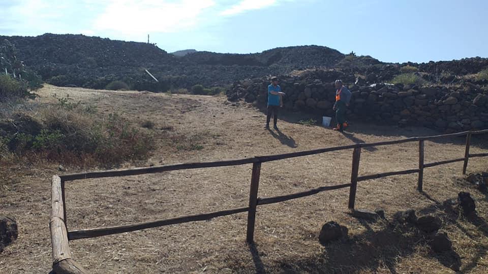 Pantelleria, ripulite le aree archeologiche di Mursia e Sesi
