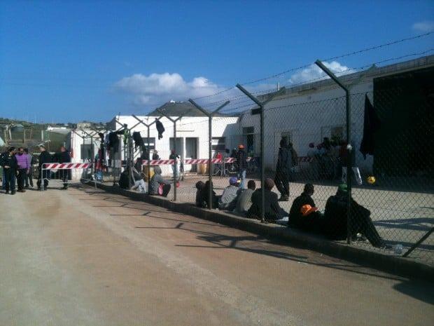 Pantelleria, garantire il trasferimento dei migranti che sbarcano sull'isola, ai fini dello svolgimento del periodo di quarantena