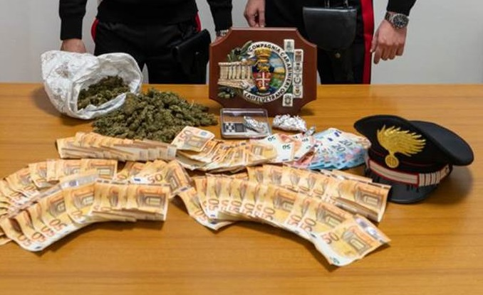 Partanna: droga e soldi nella cameretta dei figli, in manette un 39enne