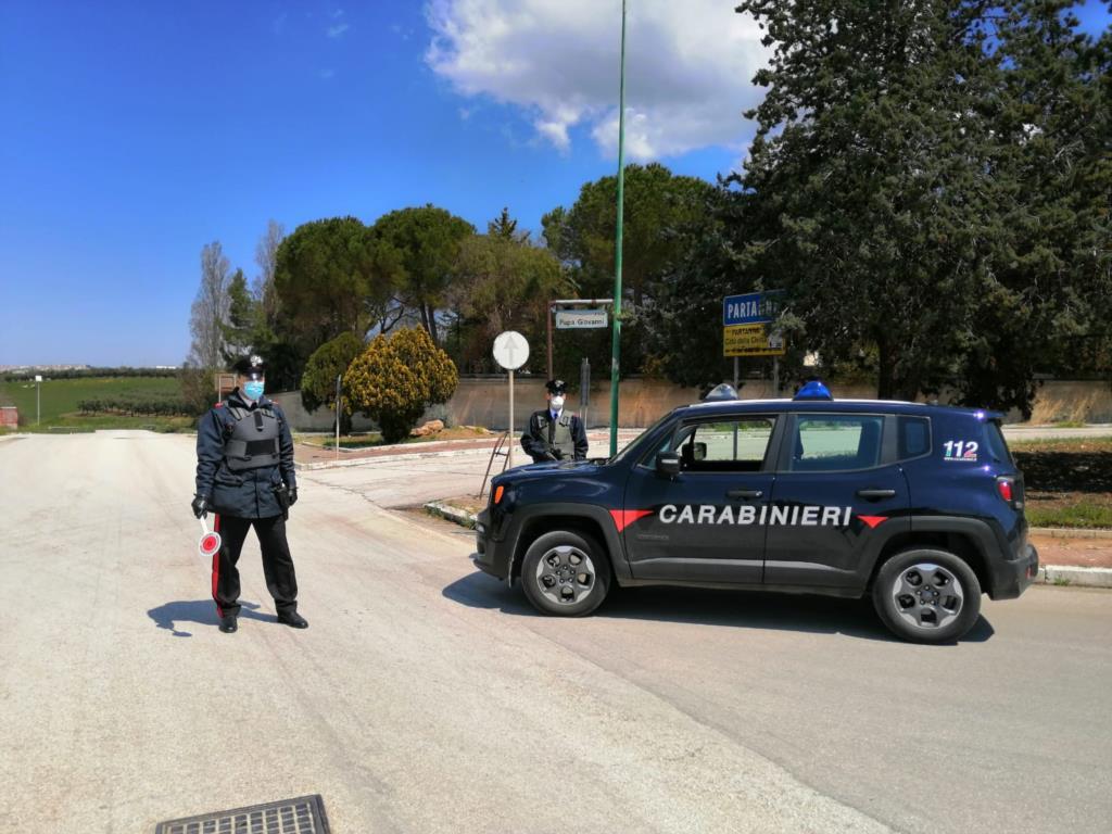 Tenta di rubare uno scooter: uomo denunciato dai Carabinieri a Castelvetrano