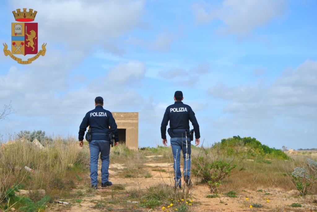 Mazara del Vallo: la Polizia arresta quarantaduenne marsalese per una rapina alla libreria il Colombre