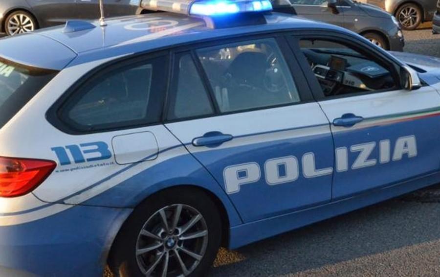 Ubriaco aggredisce gli automobilisti sulla Statale 113