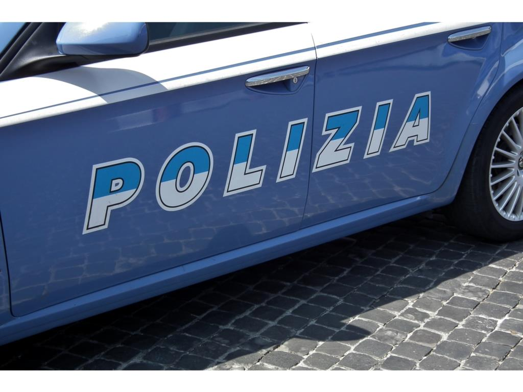 Poliziotto arrestato per violenza sessuale a Trapani