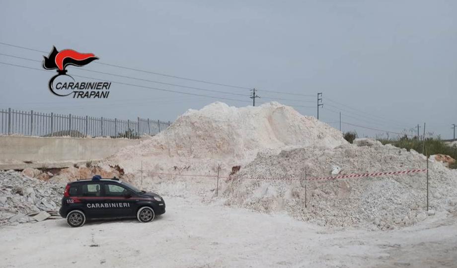 Residui lavorazione marmo non conferiti in discarica, una denuncia a Valderice