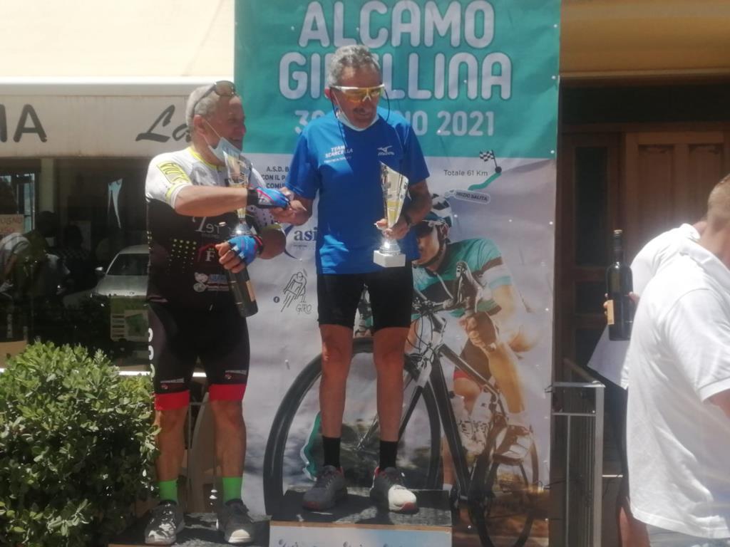Scarcella vince la gara ciclistica Alcamo-Gibellina