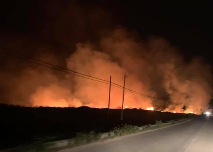 Notte di paura a Scopello: villette evacuate a causa di un incendio