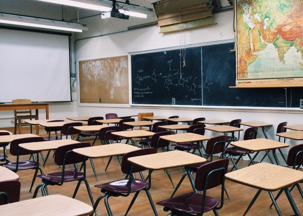 Scuola: si torna in aula il 16 settembre