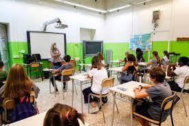 Sicilia, si torna a scuola il 16 settembre
