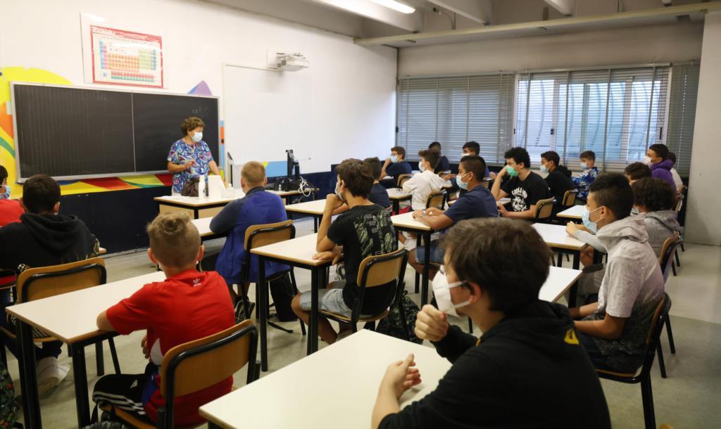 Covid-19, 5 classi in quarantena a Paceco. A Valderice sospesi alcuni servizi scolastici