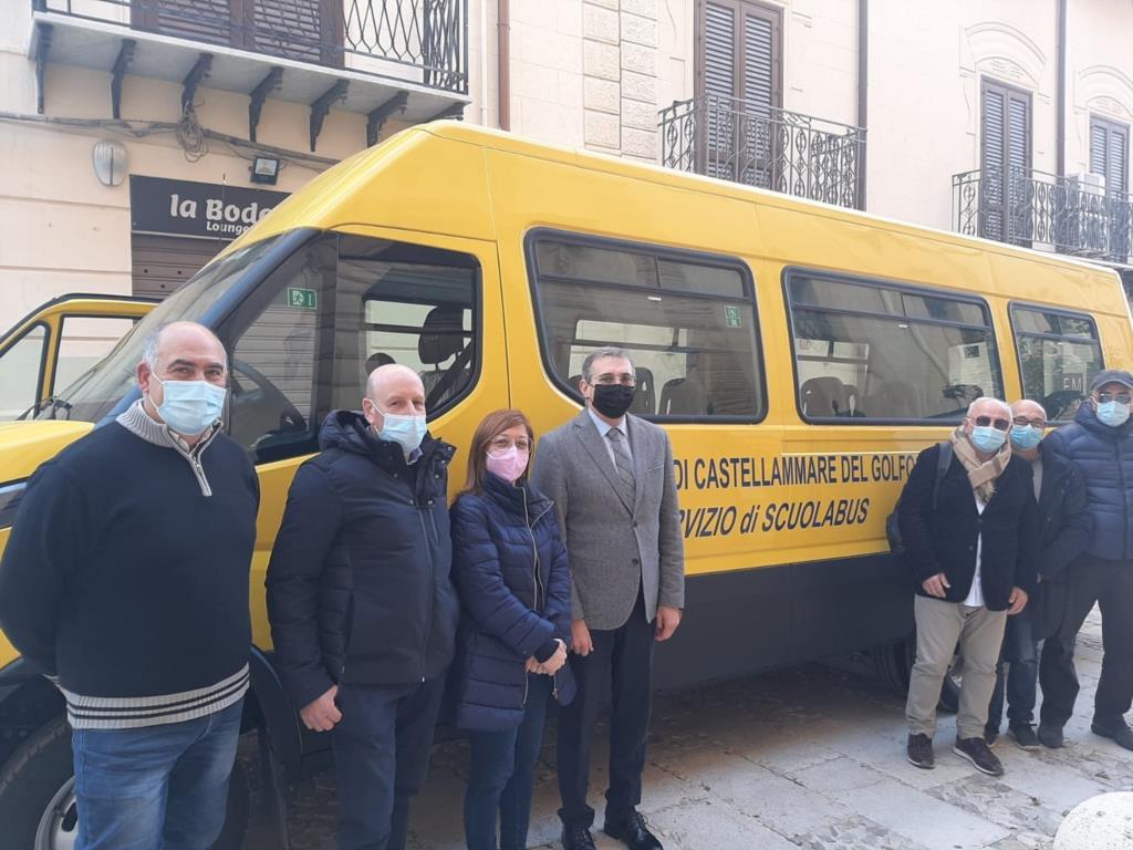 Un nuovo scuolabus per le periferie